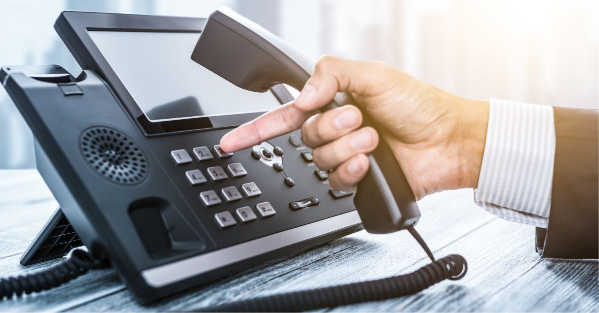 businessco-how-does-hosted-pbx-work-121219